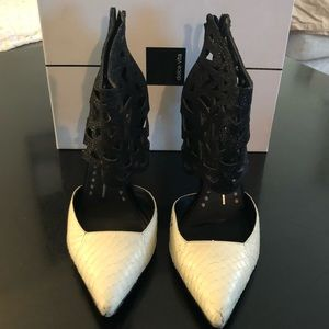 Dolce Vita Black and White Pointy Toe Kadyn Pumps